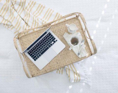 computador e café imagem do curso de SEO